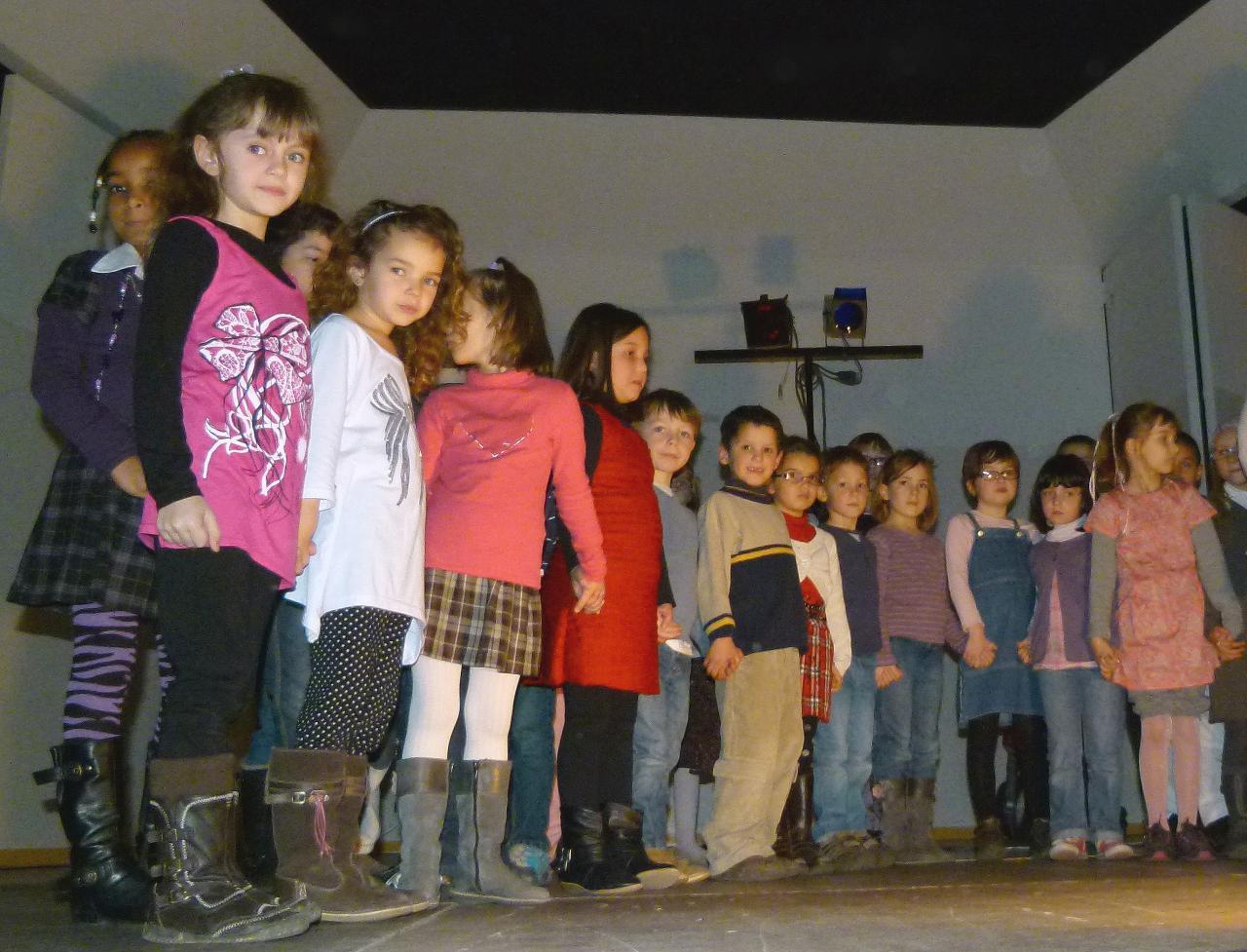 Les CP-CE1 chantent_Mars 2012 (1)