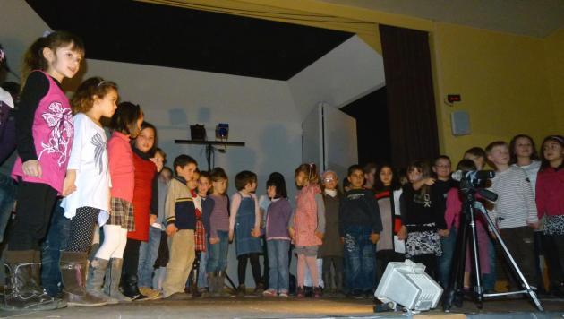 Les CP-CE1 chantent_Mars 2012 (2)