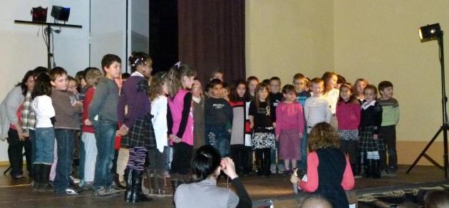 Les CP-CE1 chantent_Mars 2012 (6)