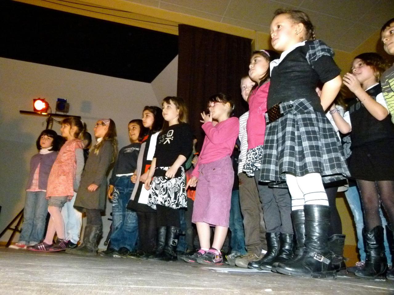 Les CP-CE1 chantent_Mars 2012 (9)